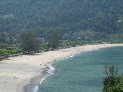 Beach_near_Paraty.jpg