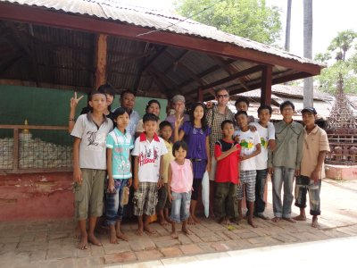 As in Mandalay Burmese tourists are keen to have their picture taken with us