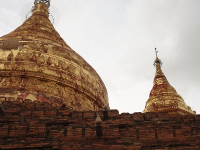 Golden stupas litter the plains