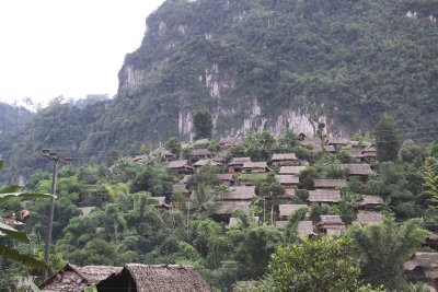 Small mountain village en route to Mae Sot