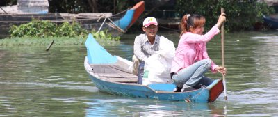 Local travellers join our boat