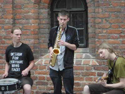 Local buskers