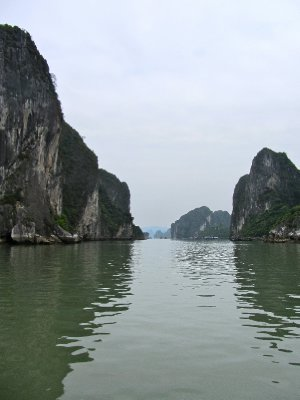 ha long bay, vietnam 3