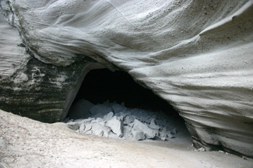 lelepa cave