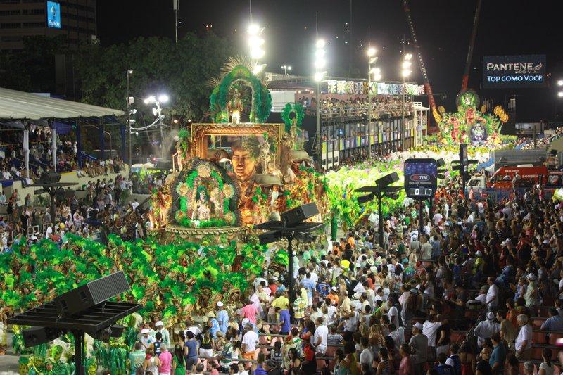 A sea of green, Sambadrome, Rio de Janeiro