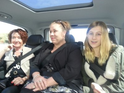 Di, Michelle and Bronte in the back seat