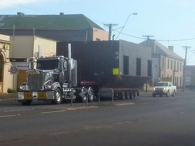 Wide load at Campbelltown