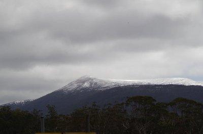 More snow on the way to Derwent Bridge.
