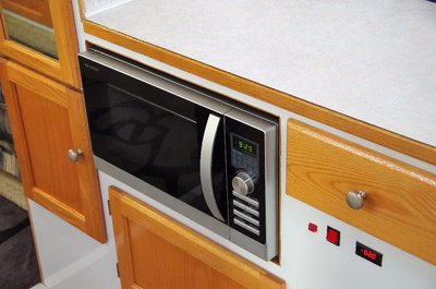 Another shot of the new microwave