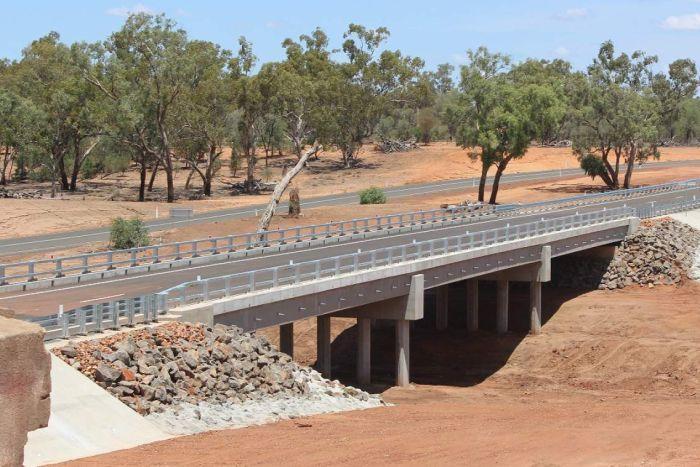 large_New_Angall..reek_Bridge.jpg