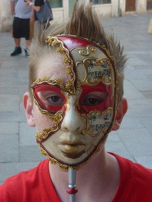 Milan masker