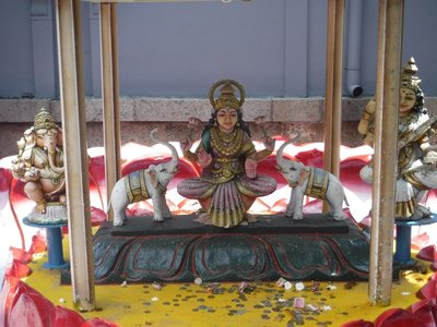 Colorful statue at Hindu Temple