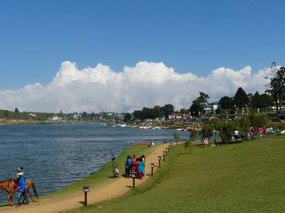 Festival along Lake Gregory