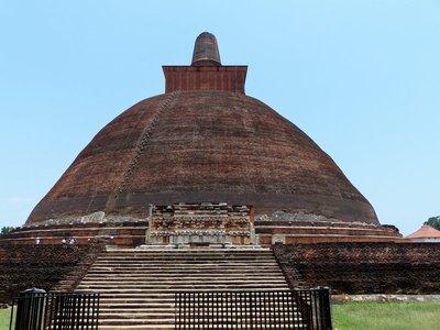 Jetavanarama Dagoba - Anuradhapura