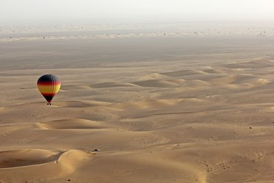 Balloon_ov.._desert.jpg