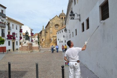 White washing Cordoba