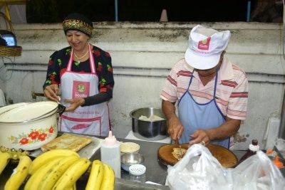 Roti makers in Chiang Mai night market