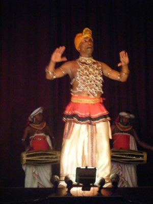 Vez dancer, Kandy