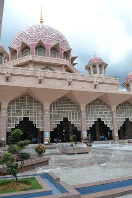 Putra Mosque, Putrajaya - courtyard