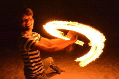 Fire performer, Cenang bach, Langkawi