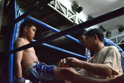 Muay Thai boxing in Chiang Mai - Sully's blue corner