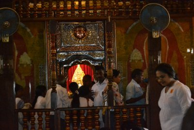 Prayers at temple of the tooth