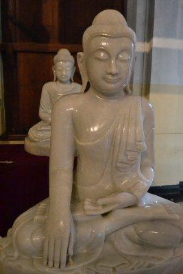 Twin Buddha statues