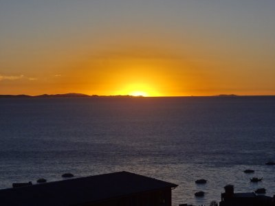 Coucher de soleil sur le lac Titicaca