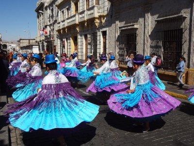 jour de fête à Arequipa avec des chola