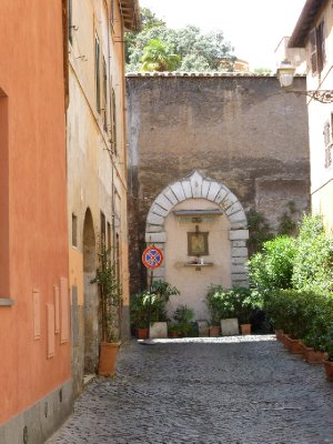 Via Garibaldi Trastevere