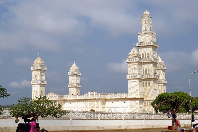 Yamoussoukro's Grande Mosquée