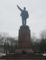 Lenin, pointing towards Moscow