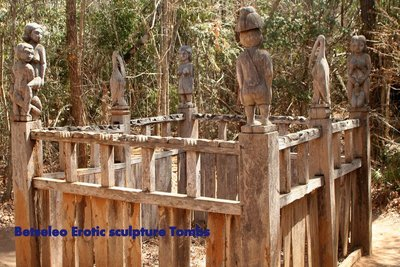 59-Sakalav..-sculptures.jpg