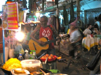 Guitar player on Khao San