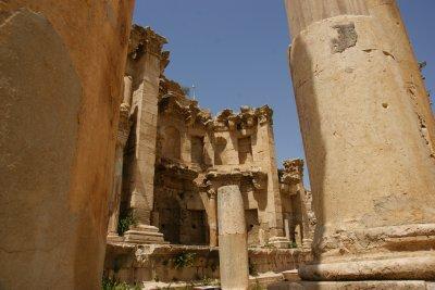 Exploring Jerash ruins