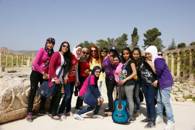 Superfriendly Jordan school girls