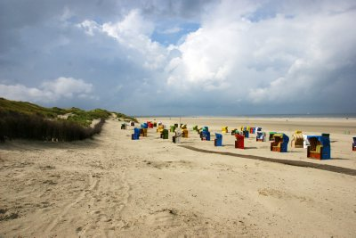 Just like Borkum, Juist beaches are long and decorated with colourful Strandkorbs