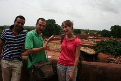 Fethi, Alex et Mélanie à Koumi
