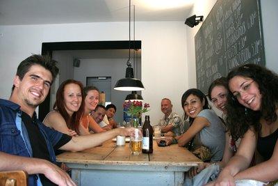 Petite pause dans un café près de Mauerpark.