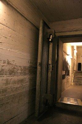 Porte du bunker