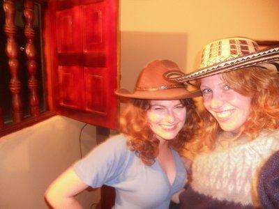 Colombian Cowgirls. Bieeen!