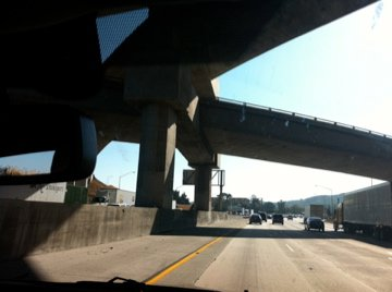 Freeway interchanges from the 10 coming into LA
