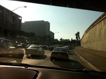 Traffic on the 101 heading into downtown