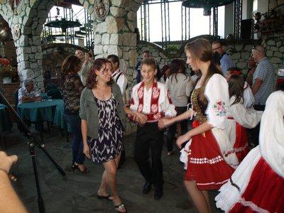 98_Traditi..Dancing.jpg