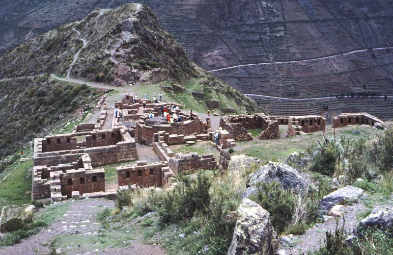 Ruins near Pisaq and the Sacred Valley