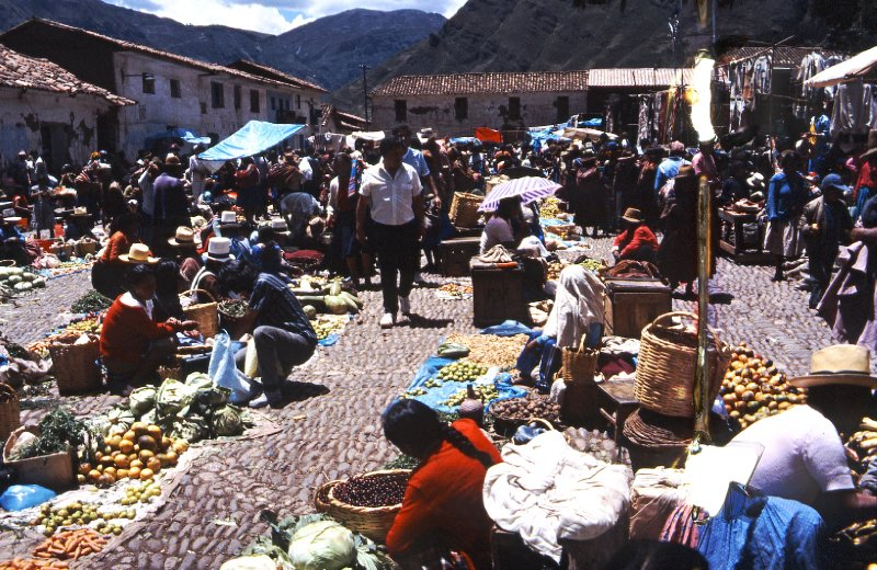 Market day on Pisac central square