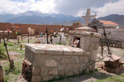 Cachi_Cemetery.jpg