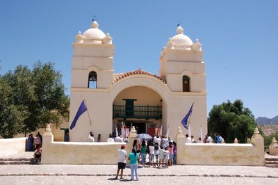 Church_in_Molinos.jpg