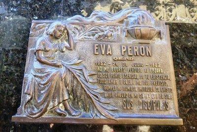 Eva_Peron_..r_Mausoleum.jpg