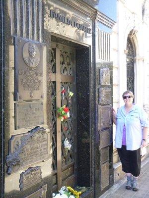 Eva_Peron_..ta_Cemetery.jpg